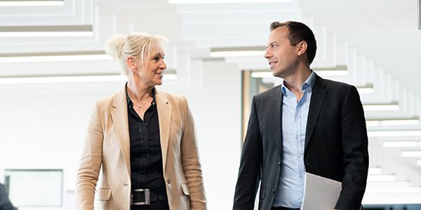 Cororate Finance Beratungsgespräch mit einem Kunden